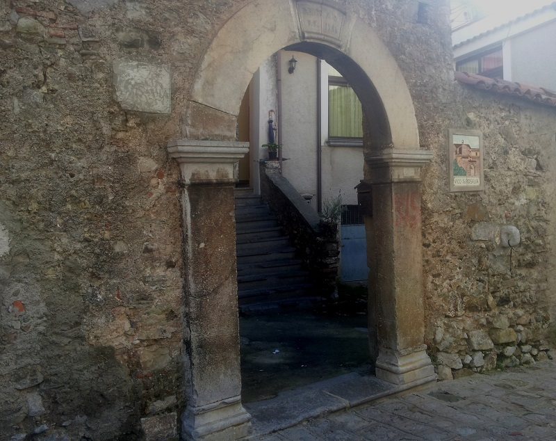 Arco_portale_vicoS.Rosalia
