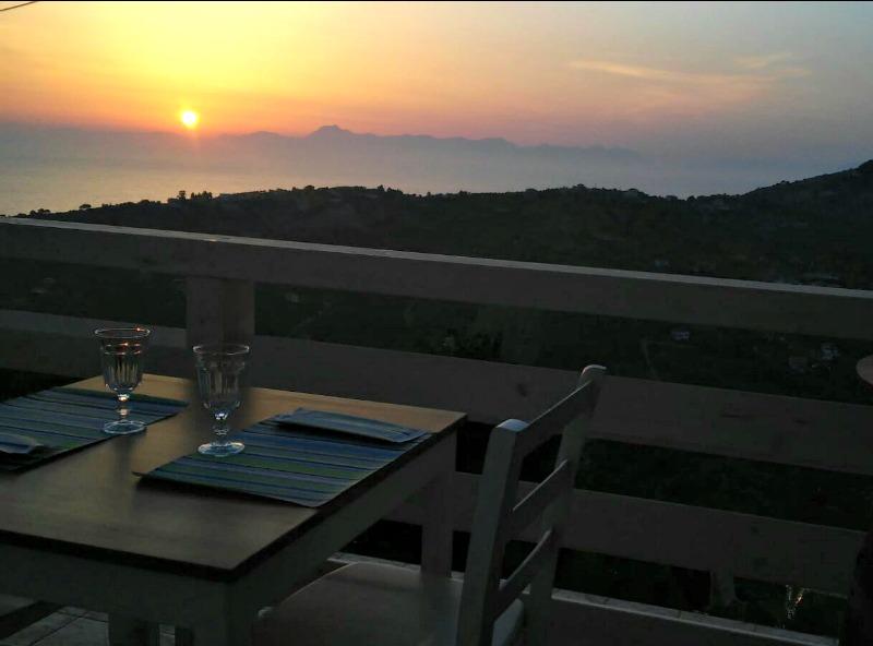 La Civetta_Ogliastro_Cilento_tramonto_terrazza_sunset